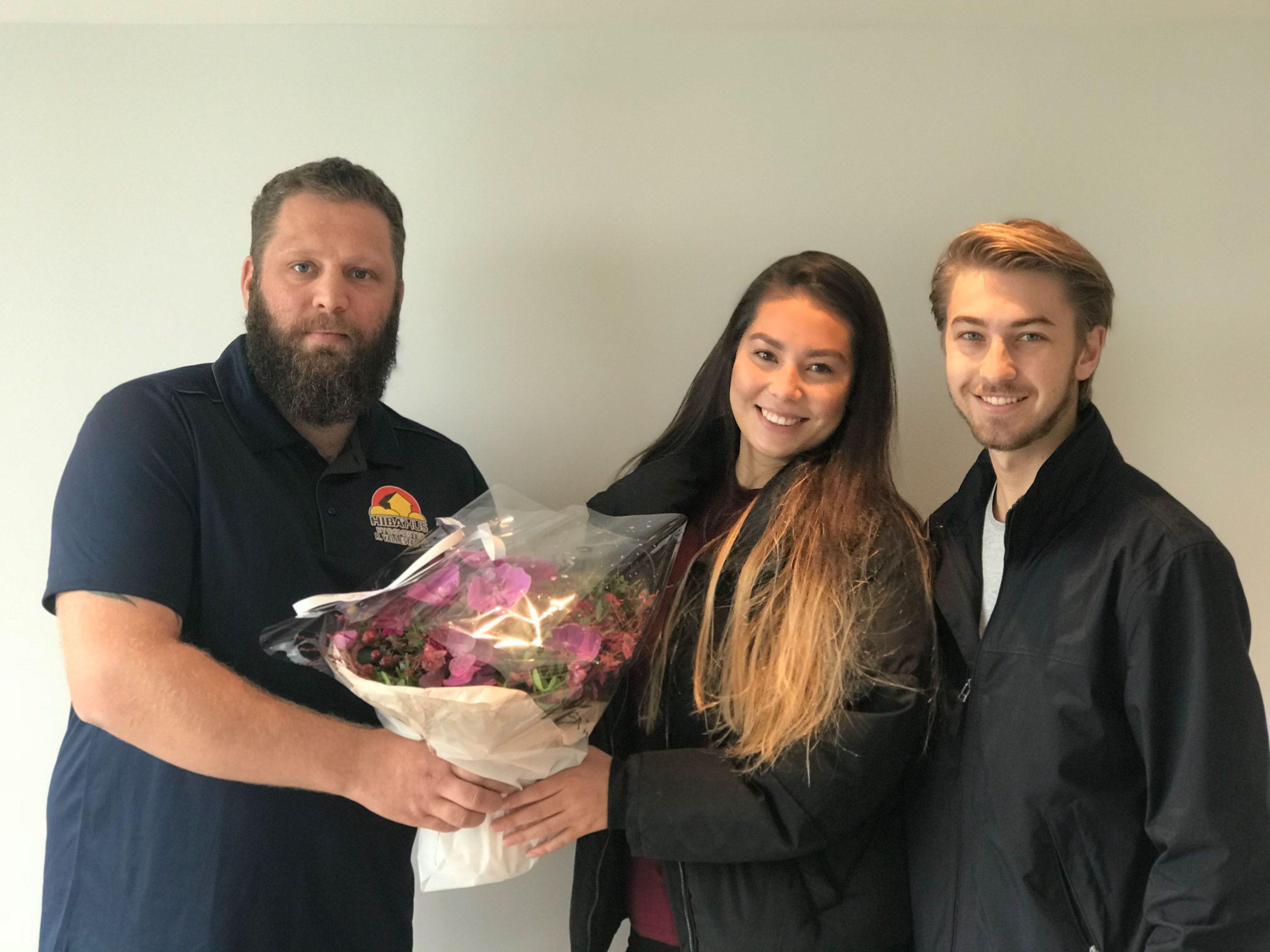Prosjektleder Adrian sammen med May Linn og Joakim