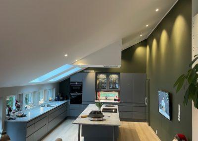 kjøkken-kjølerom-dagslys-vinduer